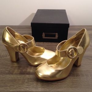 1930's Retro Gold Mary Jane High Heels w/ Buckle